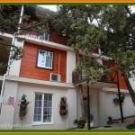 Двухэтажный дом на территории санатория Марат